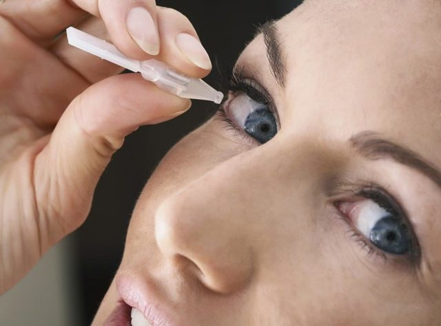 Красные глаза: 3 характерные причины раздражения, симптомы и лечение