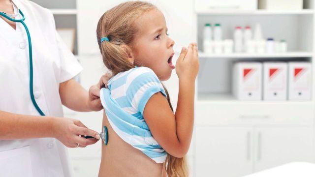 Атипичная пневмония: 3 главных возбудителя, 13 ведущих симптомов и 4 метода лечения