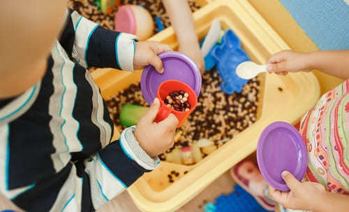 РДА, или ранний детский аутизм: 3 варианта течения, о первых признаках и обзор 8 этапов лечения болезни