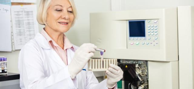 Агранулоцитоз: 10 провоцирующих факторов, 10 ведущих симптомов, 2 подхода к лечению